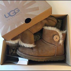 UGG/Mini Bailey Button Boots/Chestnut/size 6(EU37)
